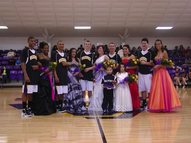 Vian homecoming queen and basketball star Whitney Miller — Vian.K12.Ok.Us