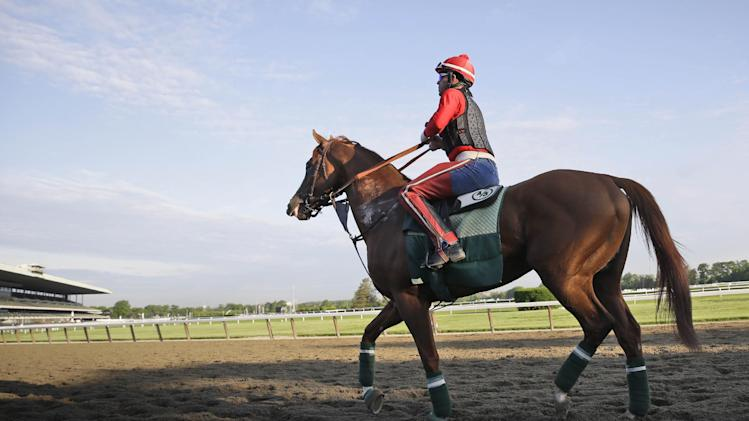 Triple Crown hopeful California Chrome gallops
