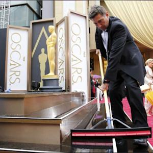 Sun Comes Out As Stars Arrive On Oscars Red Carpet