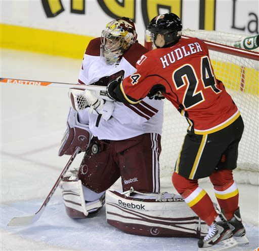Giordano's OT goal lifts Flanes over Coyotes 3-2