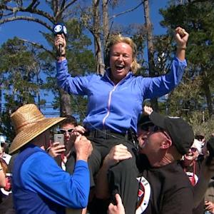 Dottie Pepper crowd surfs…well almost at AT&T Pebble Beach