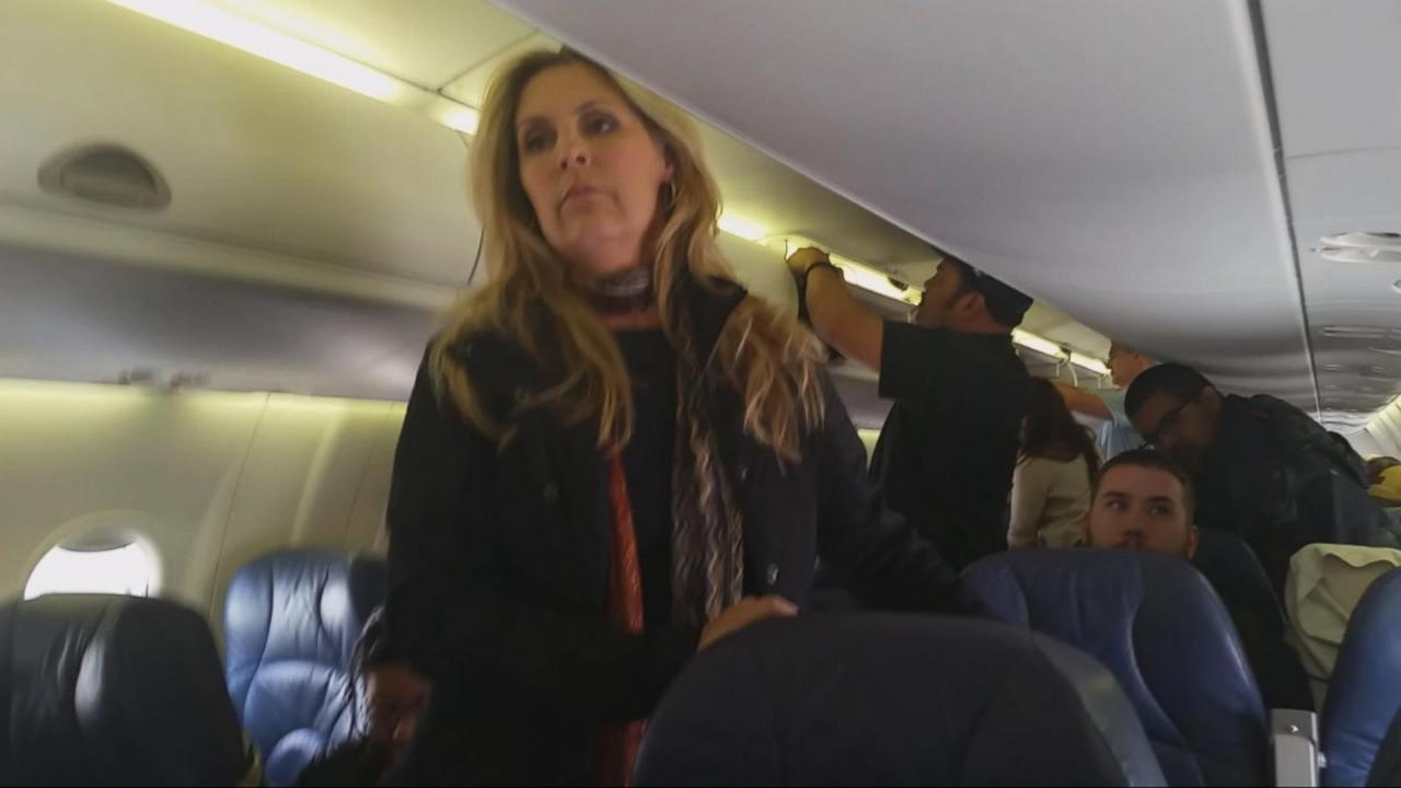 United Airlines Passengers Stuck on Plane for Nearly 6 Hours