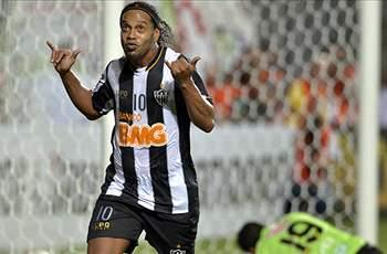 Scolari hints at possible Brazil recalls for Ronaldinho & Kaka