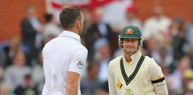 Ashes: Disciplined England hold Australia in Adelaide