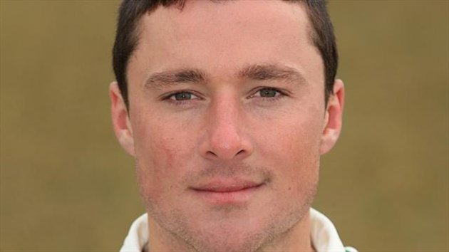 Greg Smith steadied the ship for Leicestershire with an unbeaten 62
