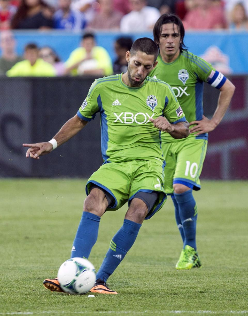 Sounders slip past Toronto FC 2-1