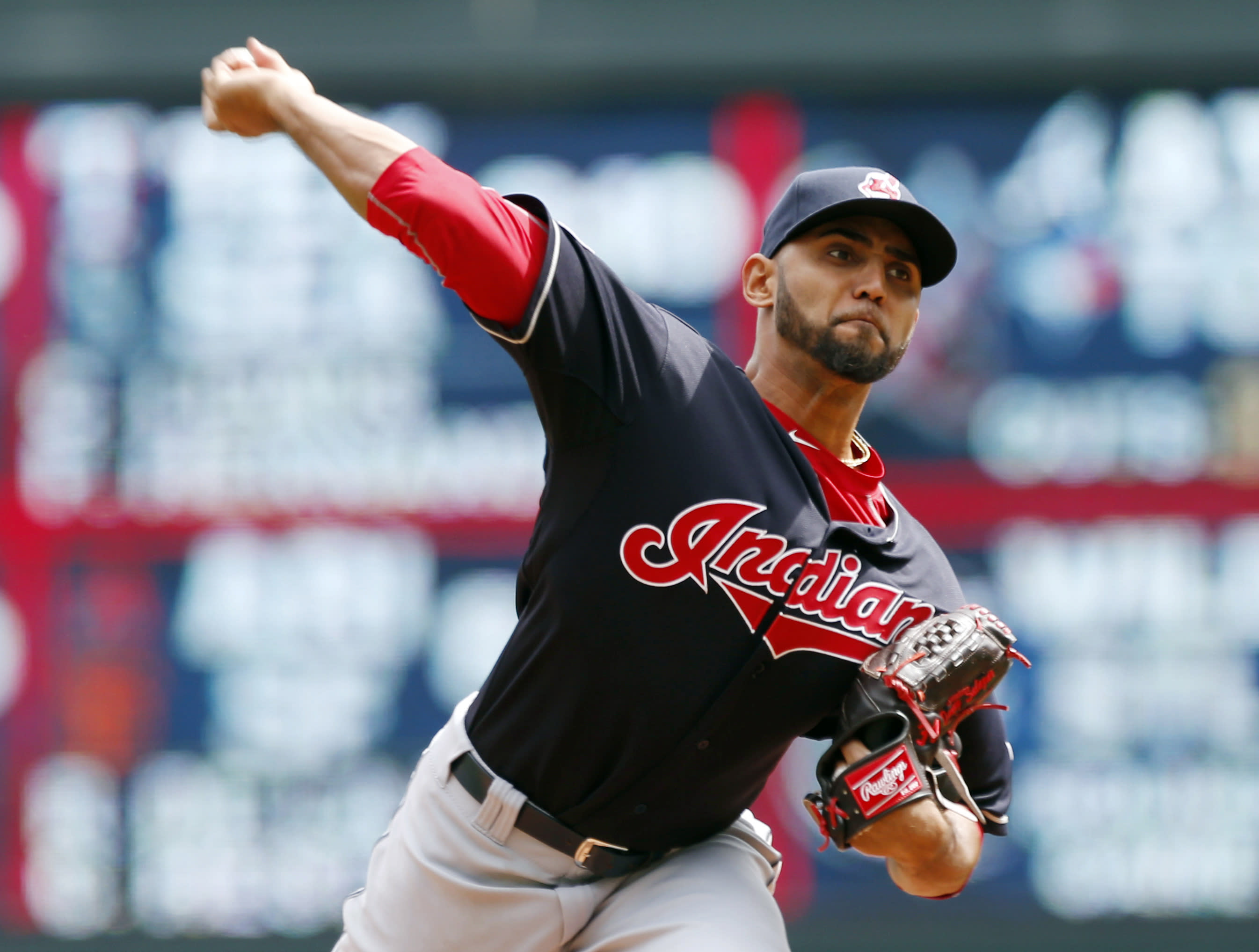 With sparkling season debut by Salazar, Indians top Twins