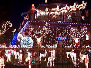 Video: Spectacular, Timeless Wonder of the 'Christmas Home' in Chicago's Logan Square