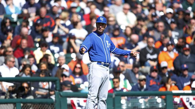 Royals shake up coaching staff amid offensive funk