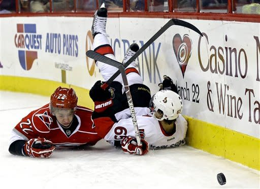 Ellis stops 33 shots, Hurricanes beat Senators 1-0