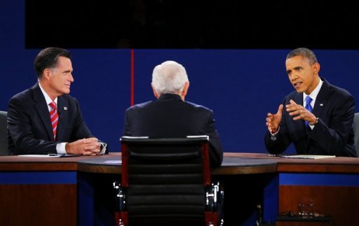 Romney, Schieffer y Obama en el debate.