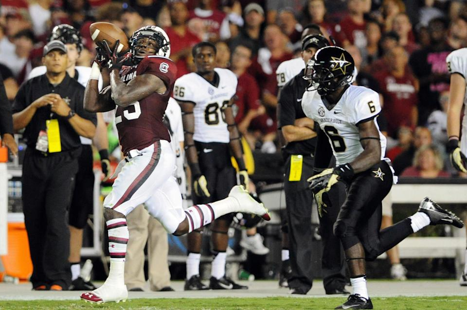 Shaw's 3 TDs lift No. 13 South Carolina over Vandy