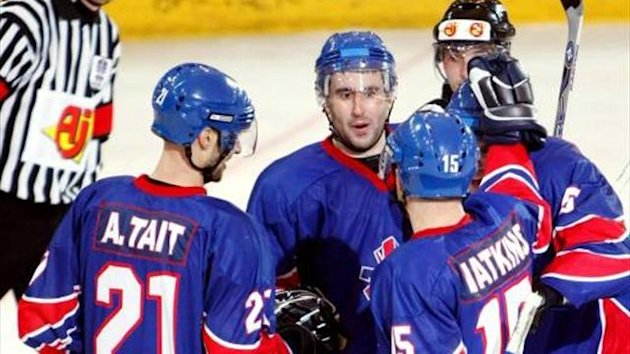Ashley Tait and Great Britain's ice hockey team (Imago)