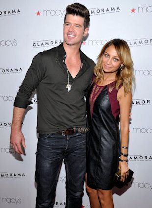 Robin Thicke and Nicole Richie (in a piece from her Impulse collection) pre-show