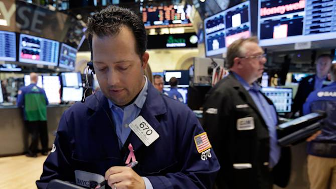 US stocks turn lower after Egypt turmoil worsens