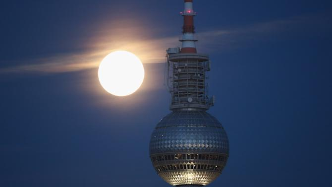 Full Moon Over Berlin