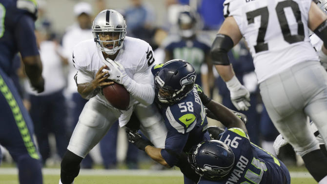 Pryor struggles in Oakland's 22-6 loss to Seattle