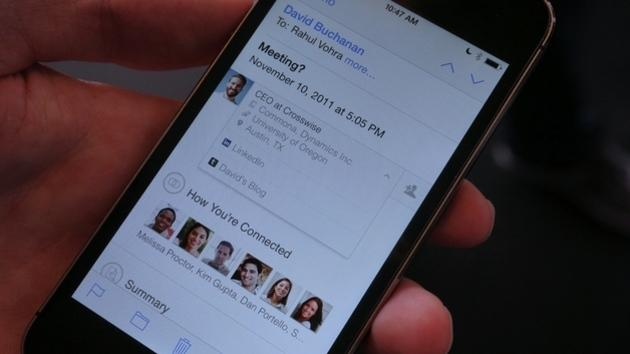 LinkedIn announces Intro, a new service that brings LinkedIn profiles into the iOS Mail app