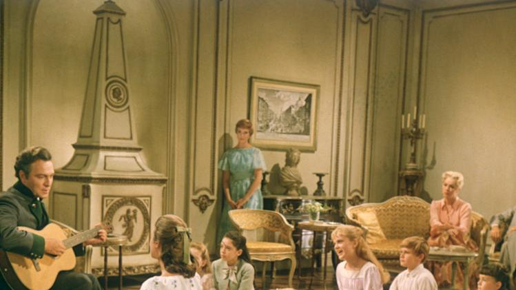 Christopher Plummer Julie Andrews Eleanor Parker Charmian Carr Kym Karath Angela Cartwright Nicholas Hammond Heather Menzies Duane Chase Debbie Turner The Sound of Music Production Stills 20th Century Fox 1965