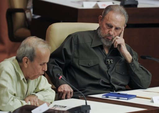 <p>Former Cuban president Fidel Castro (R) listens to the President of the Cuban Parliament Ricardo Alarcon, during a special session of the Cuban Parliament, on August 7, 2010 in Havana. Alarcon, the long-time head of Cuba's National Assembly, is absent from an official list of candidates for the February legislative election -- meaning he will soon leave office.</p>
