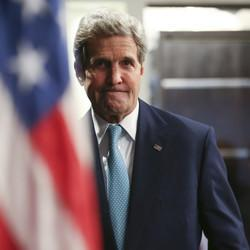 Kerry Becomes First Secretary Of State To Visit Somalia