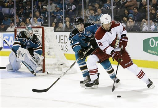 Marleau nets 2 again as Sharks beat Coyotes 5-3