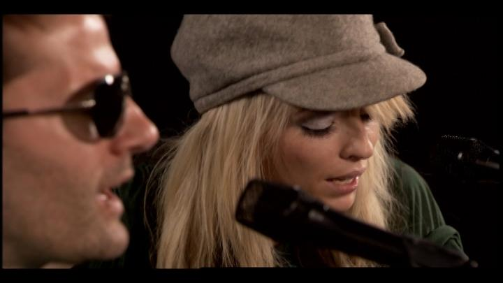 "The Ting Tings - ""Great DJ"": Yahoo! Music Exclusive Performance"