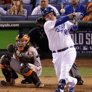 Royals Clobber Giants 7-2 to Even World Series