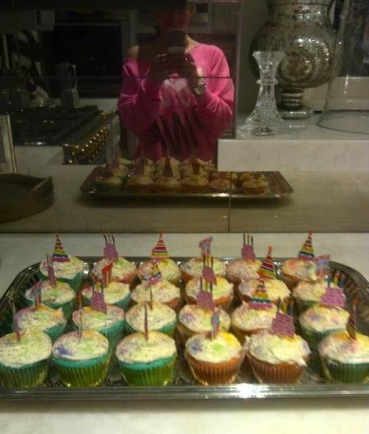 Jennifer Lopez makes cupcakes ahead of her twins' fifth birthday, February 21, 2013 -- Jennifer Lopez/Twitpic