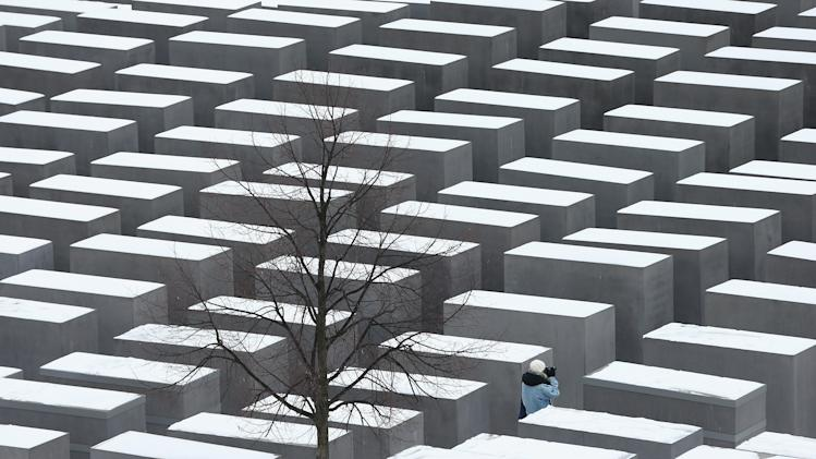 Germany To Observe Holocaust Memorial Day