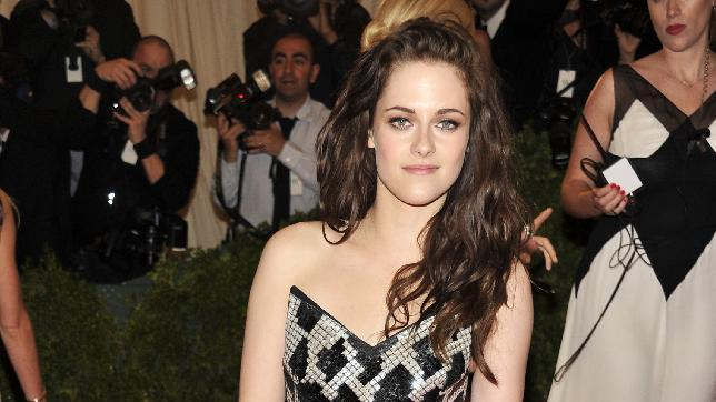 Kristen Stewart arrives at the Metropolitan Museum of Art Costume Institute gala benefit, celebrating Elsa Schiaparelli and Miuccia Prada, Monday, May 7, 2012 in New York. (AP Photo/Charles Sykes)