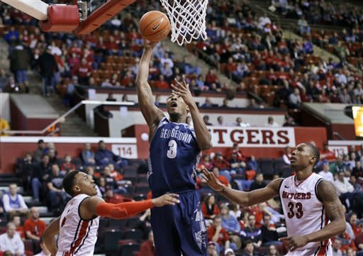 1/8No. 20 Georgetown beats Rutgers 69-63