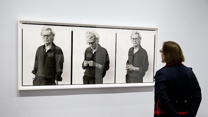 "A person views the exhibit titled ""Richard Avedon: Family Affairs"" Tuesday, March 31, 2015, during the press preview at the National Museum of American Jewish History in Philadelphia. The exhibit features dozens of newsmakers in U.S. culture and politics.  (AP Photo/Matt Rourke)"