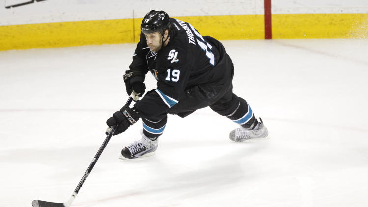 Maple Leafs, others kick tires on Joe Thornton and his no-move …