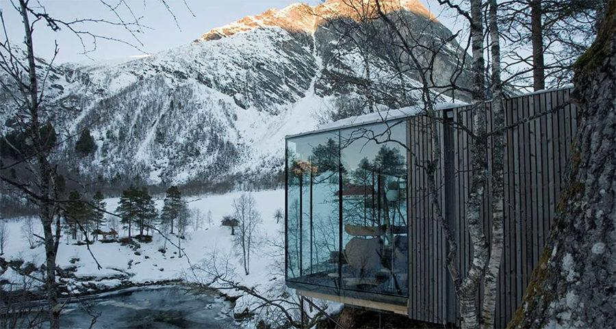 Hotels: Minimalist Glass Cabins Will Make You Crave Winter in Norway