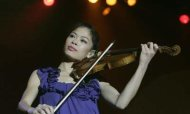 Vanessa-Mae To Swap Her Violin For Skis
