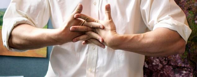Does cracking knuckles really cause arthritis?