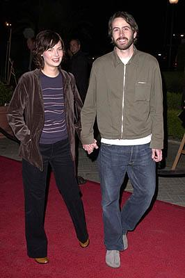 Premiere:  Carmen Lee and Jason Lee at the Los Angeles premiere of Paramount Classics' The Gift - 12/18/2000