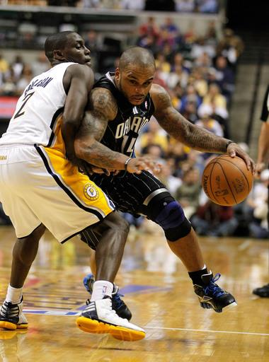 Magic shock Pacers 81-77 in Game 1