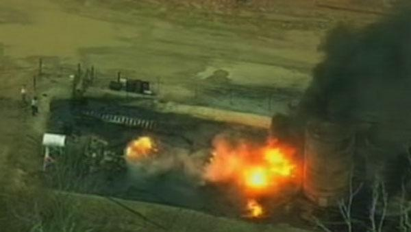 Two hurt in east Texas oil storage fire