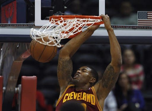 Gee lifts Cavaliers past Hawks, 113-111