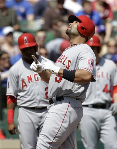 Pujols leads Angels past Texas; Hamilton struggles