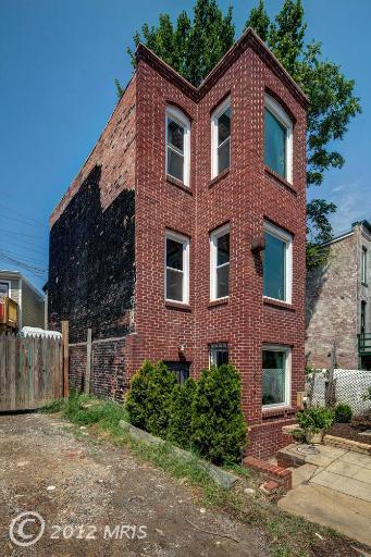 Photo tour: An ultra-narrow house in D.C. exterior side