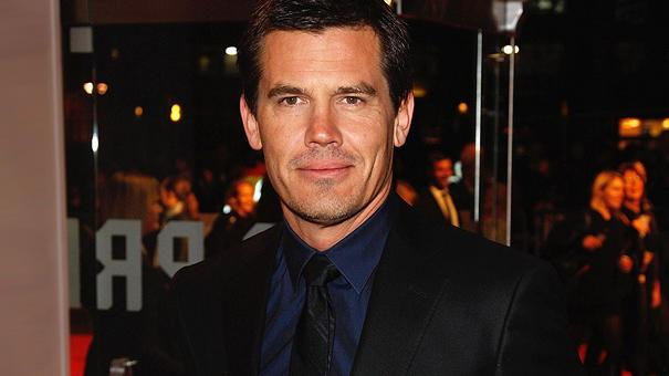 josh brolin thumb