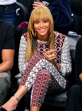 Beyonce Gets Bangs!
