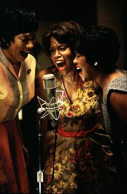 Regina King (center) as Margie Hendrix in Universal's Ray