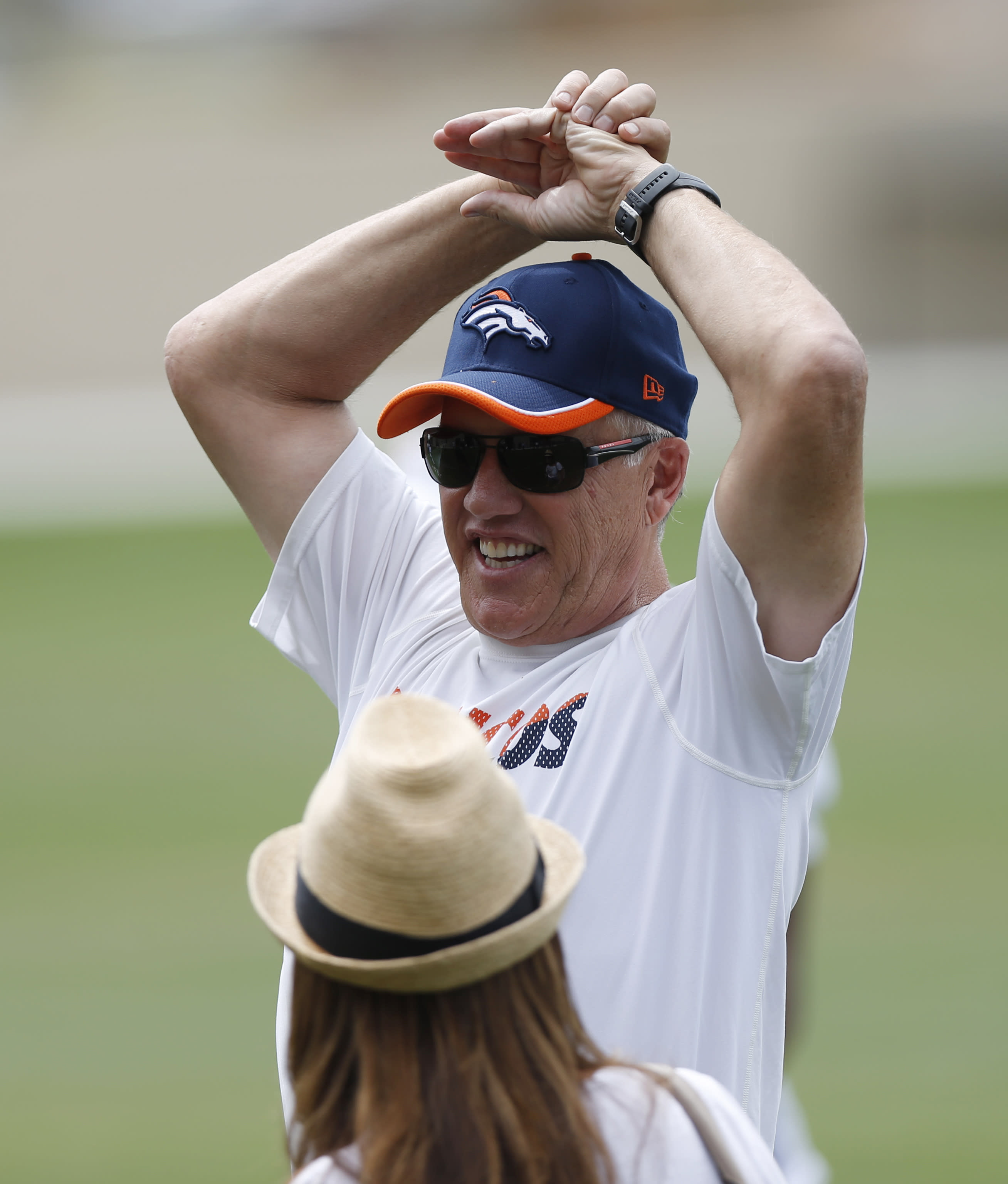 Elway says rest will be good for Manning _ eventually