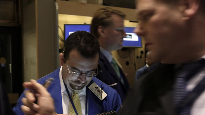 Waiting on fiscal cliff compromise, stocks inch up