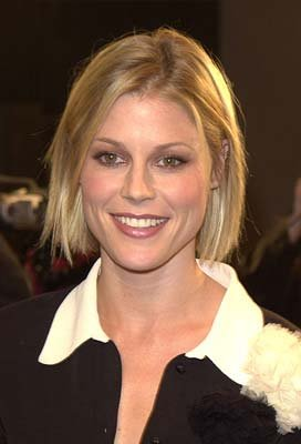 Premiere: Julie Bowen at the LA premiere of Joe Somebody - 12/19/2001