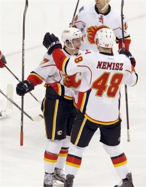 Iginla leads surging Flames to 4-3 win over Wild